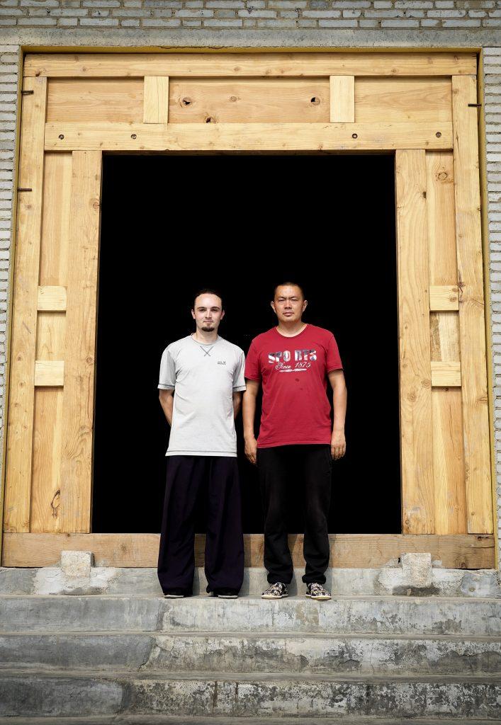 Joël Achermann mit Meister Hu Zhengsheng